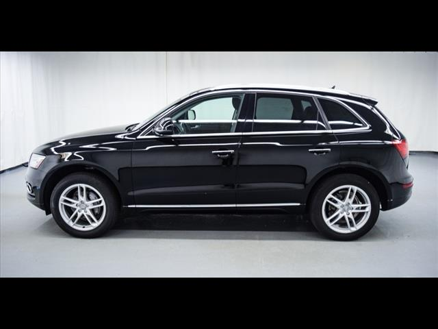 Pre-Owned 2015 Audi Q5 2.0T quattro Premium Plus